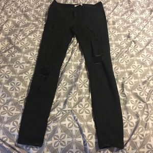 NWOT Charlotte Russe Refuge Black Distressed Jeans